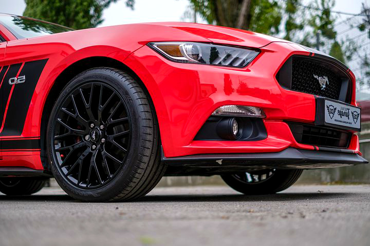 Insuring Minnesota: car Mustang